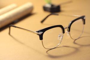 f84bd054de08 Как правильно подобрать имиджевые очки нулёвку для дополнения имиджа ...